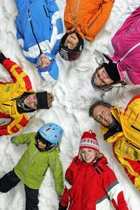 Spaßiges Abenteuer in der Gruppe: Ski- und Snowboard Kids Camps der JEVER SKIHALLE Neuss