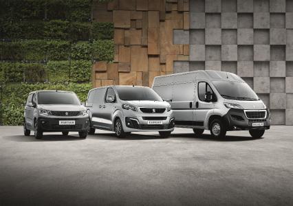 Die Nutzfahrzeuge von PEUGEOT bieten mit zahlreichen Karosseriegrößen und Editionen für jedes Unternehmen die passende Mobilitätslösung – während der PEUGEOT Gewerbewochen zudem zu besonders attraktiven Konditionen.