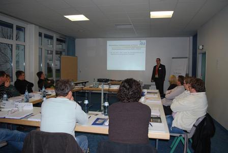 Aufmerksam verfolgten die Teilnehmer die Vorträge: anhand von zahlreichen Fallbeispielen wurde praxisnahes Wissen vermittelt