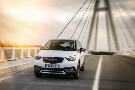 Stylish, practicable: Prices for the Opel Crossland X, the second Opel with X in its name, start at €16,850 incl. VAT