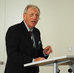 Ehrenmedaillenträger Prof. Hans-Dieter Warda (Foto: Viola Düwert - Hochschule Osnabrück)