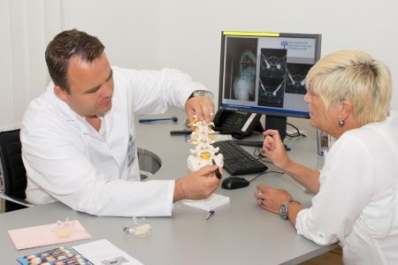 Fotos: Orthopädische Universitätsklinik Friedrichsheim
