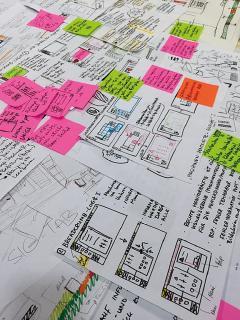 Recherche vor Produktentwicklung: Zu Beginn ihrer Projektarbeit haben sich Tim-Niklas Hachmeister und Jawaher Hamo mit zahlreichen SIG-Mitarbeitern ausgetauscht und viele technische Daten analysiert / Foto: Hochschule Osnabrück / Tim-Niklas Hachmeister, Jawaher Hamo