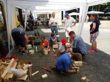 Kinder-Bastelaktion auf dem Sommerfest, Foto: © Elterninitiative leukämie- und tumorkranker Kinder e.V.