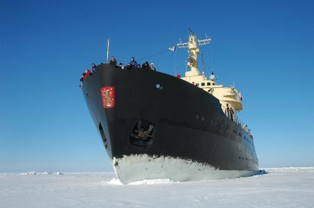 Festgemacht im Eis © Kemi Tourism Ltd.