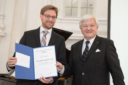 Nachwuchspreisträger Dr. Stefan Bittner (links) mit Prof. Dr. Klaus V. Toyka