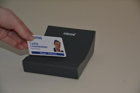 MicrosCard – ausgestattet mit RFID basierter Kartenstruktur (Copyright: MICROS-FIDELIO GmbH)