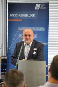 Gastgeber TH-Präsident Prof. Dr. László Ungvári sprach ein Grußwort. Quelle: TH Wildau / Bernd Schlütter