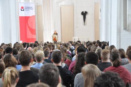 In diesem Jahr wird die Begrüßung der Erstsemester anders aussehen (Erstsemesterbegrüßung WS 2018/19 in St. Petri)