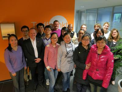 Erfahrungsaustausch zwischen ehemaligen und aktuellen chinesischen Stipendiaten an der Hochschule Osnabrück