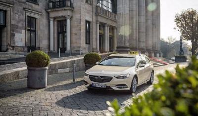Opel Insignia jetzt auch als Taxi - Neues Taxi-Modell: Der Insignia Sports Tourer bereichert ab sofort – ebenso wie sein Bruder Insignia Country Tourer – das große Taxi-Angebot von Opel ab Werk