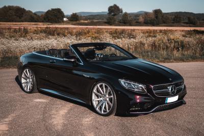 Starkes Luxus-Cabrio mit feinem Schuhwerk - Deville am Mercedes-AMG S 63