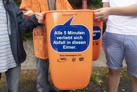 Freche Sprüche für Sauberkeit: Schülerinnen und Schüler des 8er-Rats, VAG und ASF starten Kampagne (Quelle: VAG)