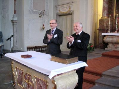 Bischöfe Matthias Ring und Joachim Vobbe (v.l.) / © Foto: John Grantham/Wikimedia Commons