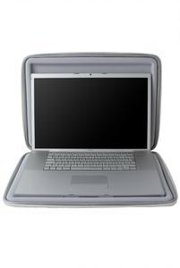 """Crumpler Hard Suit Special Edt. 17"""" W MacBook open"""