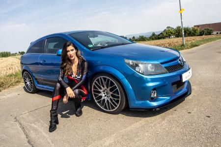 Re-sharpened Opel Hot Hatch: Astra H OPC with JMS tuning package