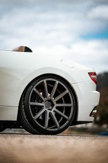Cor.Speed Sports Wheels Europe: Italienischer Open-Air-Sportler Maserati GranCabrio auf großen Deville-Felgen