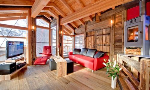 t ren f r exklusives chalet schwalbennest in zermatt ch. Black Bedroom Furniture Sets. Home Design Ideas