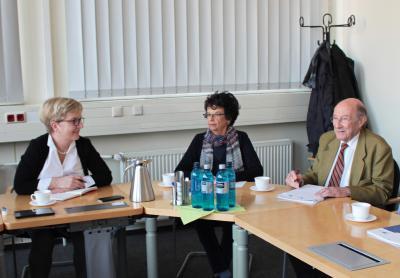 Dr. Richard Fagot und seine Ehefrau Elda im Gespräch mit TH-Präsidentin Prof. Dr. Ulrike Tippe