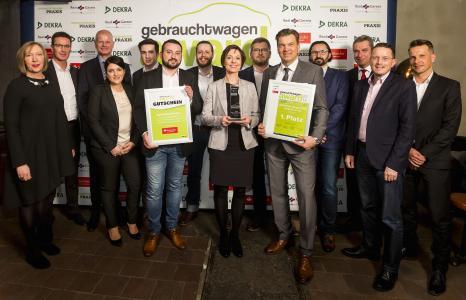 """Den ersten Platz des """"Gebrauchtwagen Award 2018"""" belegte das Team der MGS Motor Gruppe Sticht aus Bayreuth / Foto: Vogel Business Media/Stefan Bausewein"""