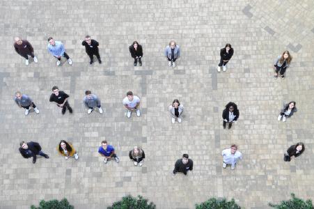 Neuer Ausbildungsjahrgang startete bei der uniVersa/  Foto: uniVersa
