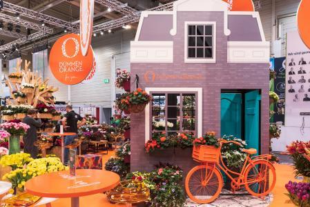 Das holländische Haus vom Dümmen Orange Messestand ist auch Teil der neu angelegten Trendgärten