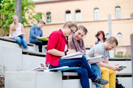 Berufsbegleitend für Karriere qualifizieren - mit dem Bachelor of Engineering
