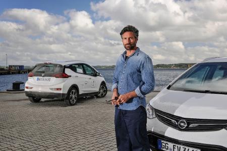 Elektro-Pionier: Schauspieler Benjamin Sadler lenkte erstmals einen Opel Ampera-e auf der 8. Nordeuropäischen E-Mobil Rallye