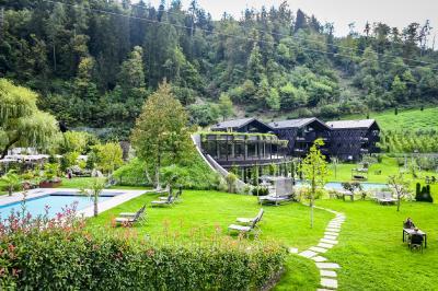 """""""Alpine Architektur"""" – Außergewöhnliche Hotels mit regionalem Charakter / © Christian Stallknecht"""