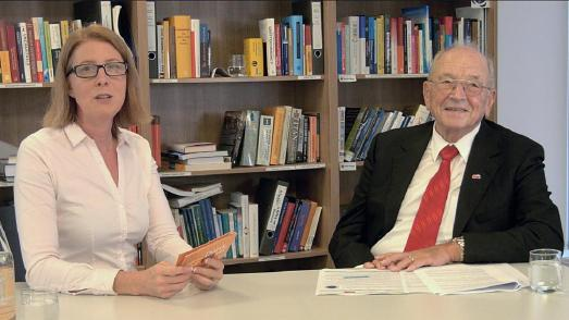 Der Stifter Prof. h.c. Karl Schlecht im Interview mit Ursula Maria Lang M.A., Mit-Initiatorin der St. Leonhards-Akademie