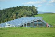 Bei entsprechender Auslegung können je nach Nutzung – so-gar Gewerbeobjekte - ihren Energiebedarf durch Solaranlagen vom Dachdecker-Fachbetrieb komplett selbst decken.