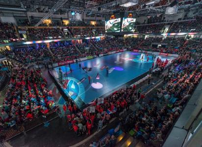 Arena Nürnberger Versicherung: mit über 7.000 Fans fast ausverkauft, Foto: HJKrieg, hl-studios, Erlangen