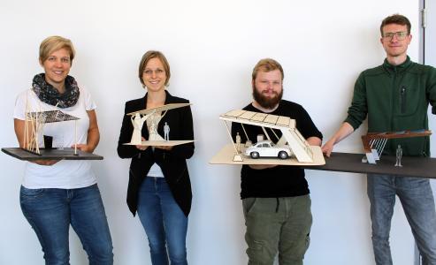 Die Preisträgerinnen und Preisträger (von links): Svenja Knothe, Sophia Kampe, Tobias Ansperger und Jannis Steffan