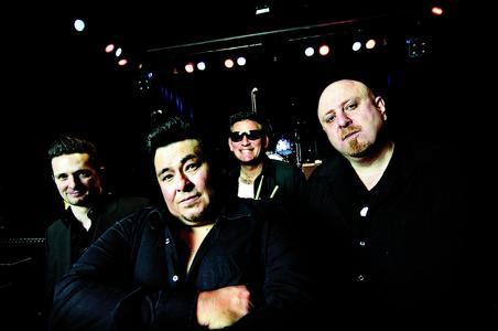 Memo Ganzales Bluescasters