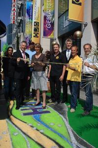 Oberbürgermeisterin Christel Augenstein eröffnete den Hundertwasser-Traumgarten
