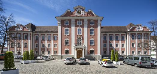 Seit April ist Schloss Meersburg am Bodensee nach rund sechsmonatigen Renovierungsarbeiten wieder für die Öffentlichkeit zugänglich (Foto: Caparol Farben Lacke Bautenschutz/Martin Duckek)