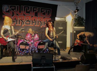 Zu Gast am Institut für Musik: Die schwedische Rock-Metal-Band Crucified Barabra