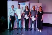 Übergabe des neuen PhysioPraX-Gutachtens am 10.07.2019 in Nürnberg, v. l.: Prof. Dr. Günter Neubauer (IfG), Markus Norys (PHYSIO-DEUTSCHLAND), Ute Repschläger (IFK), Hans Ortmann (VPT), Christina Niedermeier (IfG)