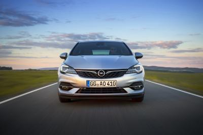 Smooth Operator: Opel Astra with Efficient Stepless Transmission