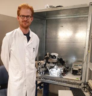 Dr. Marc Lemoine im Labor der zellulären Elektrophysiologie am Universitätsklinikum Hamburg-Eppendorf. Foto: UKE
