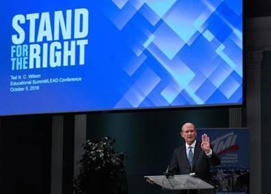 Pastor Ted Wilson, adventistischer Weltkirchenleiter, bei der LEAD-Konferenz (Foto: Brent Hardinge / ANN)