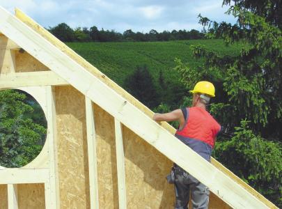 Auf dem Flachdach oder anstatt des bisher ungenutzten Dach-Speicherraums kann zusätzlicher Wohnraum mit den besten Aussichten und ohne Baulandverbrauch entstehen.