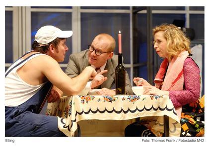 Kai Windhövel (Kjell Bjarne); Till Schmidt (Elling); Katharina Voss (hier als Reidun) (Foto: Fotostudio m42 / Thomas Frank)