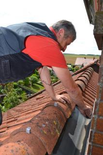 Der DachCheck durch den Fachbetrieb ist die beste Absicherung vor Unwetterschäden oder einer Leistungsverweigerung bei der Schadensregulierung.