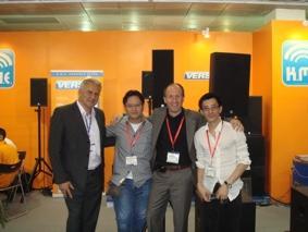 K.M.E. auf der Palm Expo 2008 - VERSIO Serie durch DSP gesteuerte, aktive Systemeinheit VSS 15 erweitert