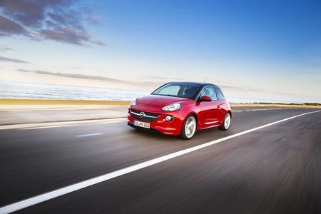 Smarter Begleiter: Der Opel ADAM ist Klassenbester. Kein anderer Kleinwagen ist so gut mit den neuen Medien vernetzt, © GM Company
