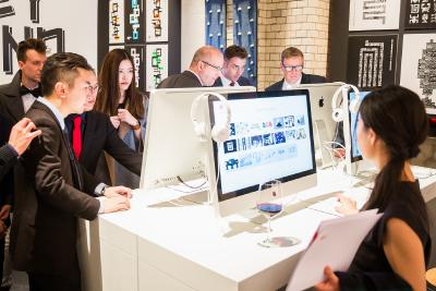 """Die Ausstellung """"Design on Stage"""" während der Preisverleihung in Berlin zeigte alle ausgezeichneten Arbeiten / Foto ©: Red Dot"""