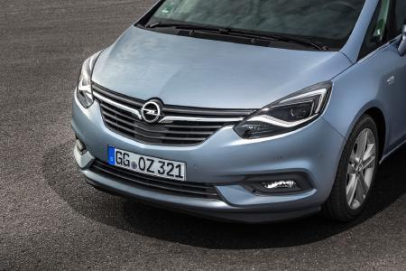 AFL LED für Mokka X und Zafira : Voller Durchblick: Mit dem Sicherheitslichtsystem AFL LED für den Mokka X und den neuen Zafira (Foto) bringt Opel die Vorteile adaptiver Voll-LED-Scheinwerfer in die Kompakt-Klasse © GM Company