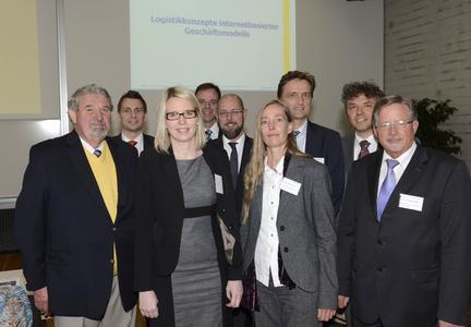 Auf dem 21. Osnabrücker Logistiktag an der HochschuleOsnabrück (von links): Prof. Werner Kuntze, Prof. Dr. Ingmar Ickerott,Dr. Eva Stüber (Keynote-Speakerin), Prof. Dr. Michael Schüller, FrankHesse (Geschäftsführer IHK Osnabrück Emsland Grafschaft Bad Bentheim),Prof. Dr. Sabine Bruns-Vietor, Prof. Dr. Andreas Bertram (Präsident Hochschule Osnabrück), Prof. Dr. Diethardt Freye, Prof. Dipl.-Ing. Wolfgang Bode / Foto: Hermann Pentermann