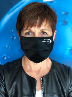 Der aktiv kühlende Maske von E.COOLINE erleichtert das Atmen und verbessert die Konzentration in beheizten Räumen